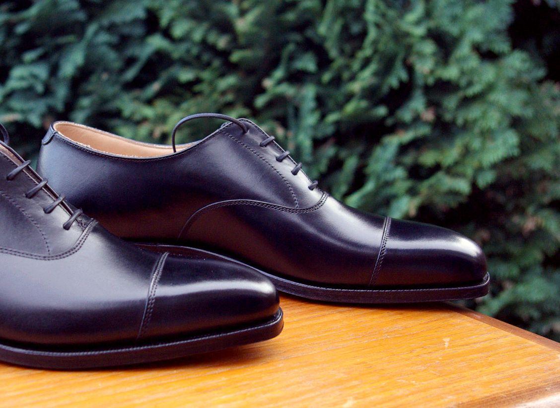 5dae6a1f5b7 Item of the Week: Black Toe Cap Oxford Shoe