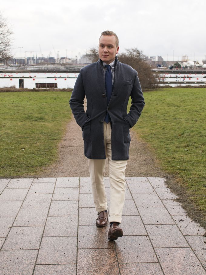 How to Combine Ivory White Trousers