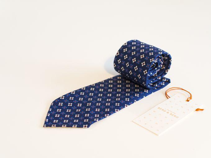 Blue / Burgundy handrolled floral tie.