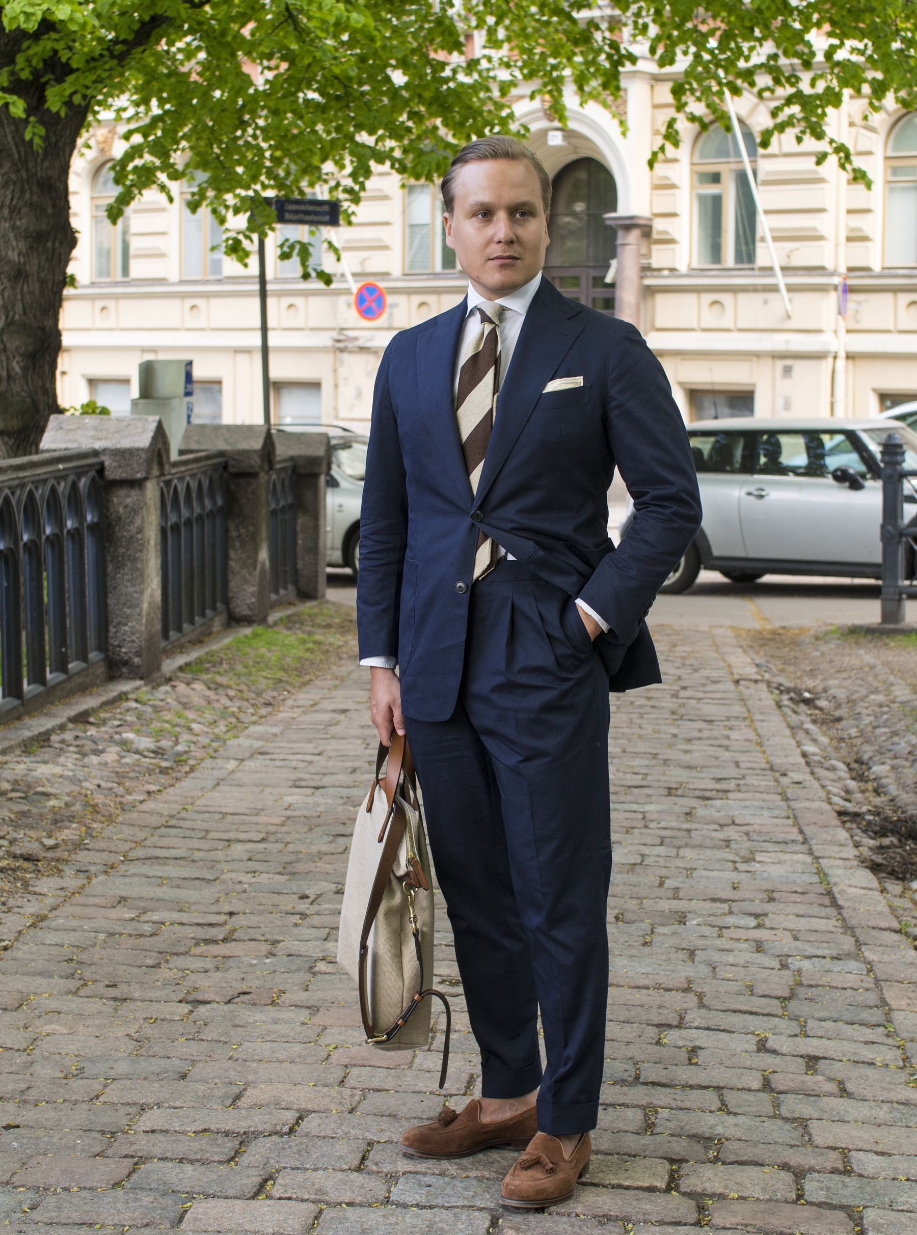 Men's Most Versatile Summer Suit - The Navy Cotton Suit