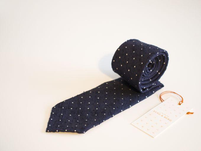 Handrolled pin dot shantung silk tie, navy.
