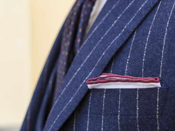 ​Shibumi Berlin burgundy contrast border pocket square.​​