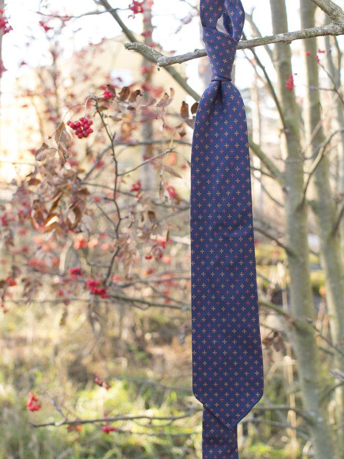 Navy six-fold silk tie