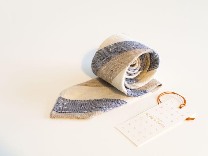 Handrolled linen / raw silk / cotton tie.
