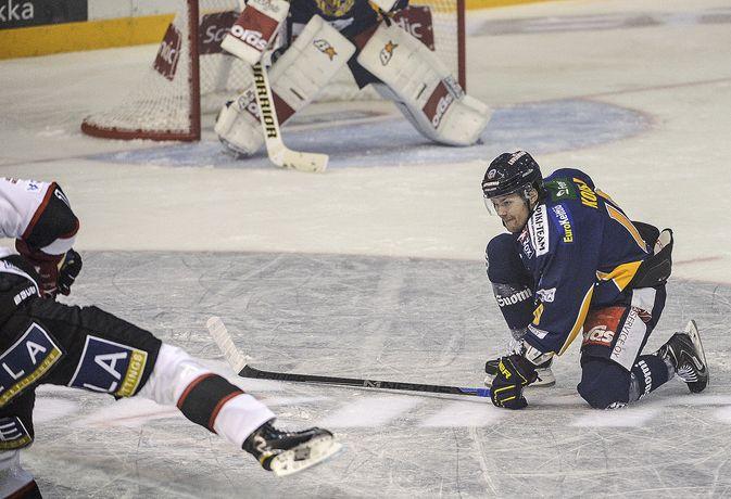 Mikko Kousa joutui jättämään väliin sunnuntain Blues-ottelun.