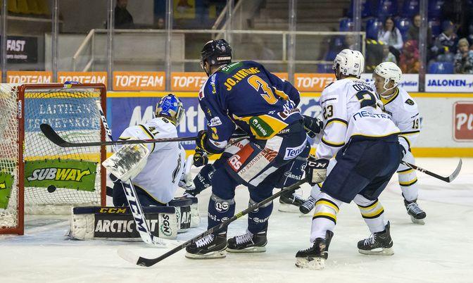 Jonne Virtanen tarjoili Olavi Vauhkoselle namupassin Lukon 3-1-maaliin.