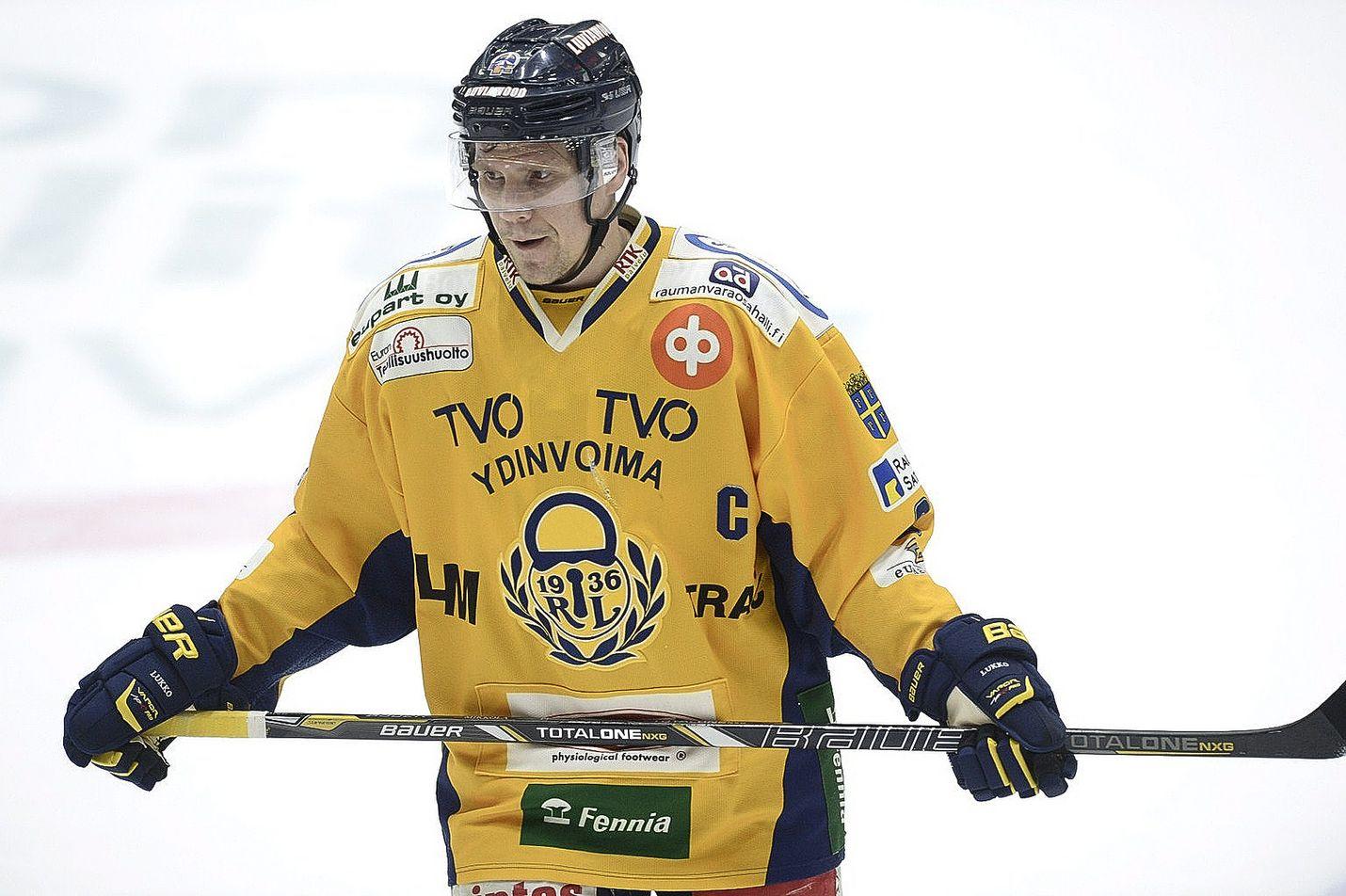 Ilkka Mikkola pääsee aloittamaan pudotuspelit kotikentällä.
