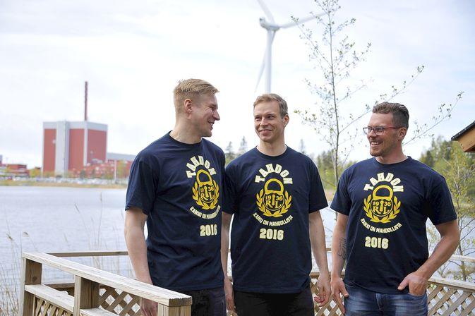 Teemu Nurmi, Sami Lähteenmäki ja Toni Koivisto aloittivat työt taas maanantaina. Tällä kaudella Lukko elää omaa tahdon-kampanjaansa. Kuva: Kimmo Mäkeläinen.