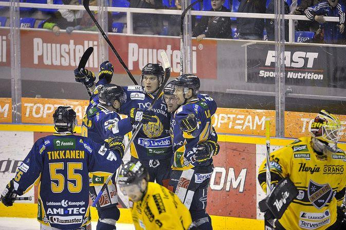 Lukko hoiteli KalPan tieltään kuudessa ottelussa. Kuva: Juha Sinisalo.