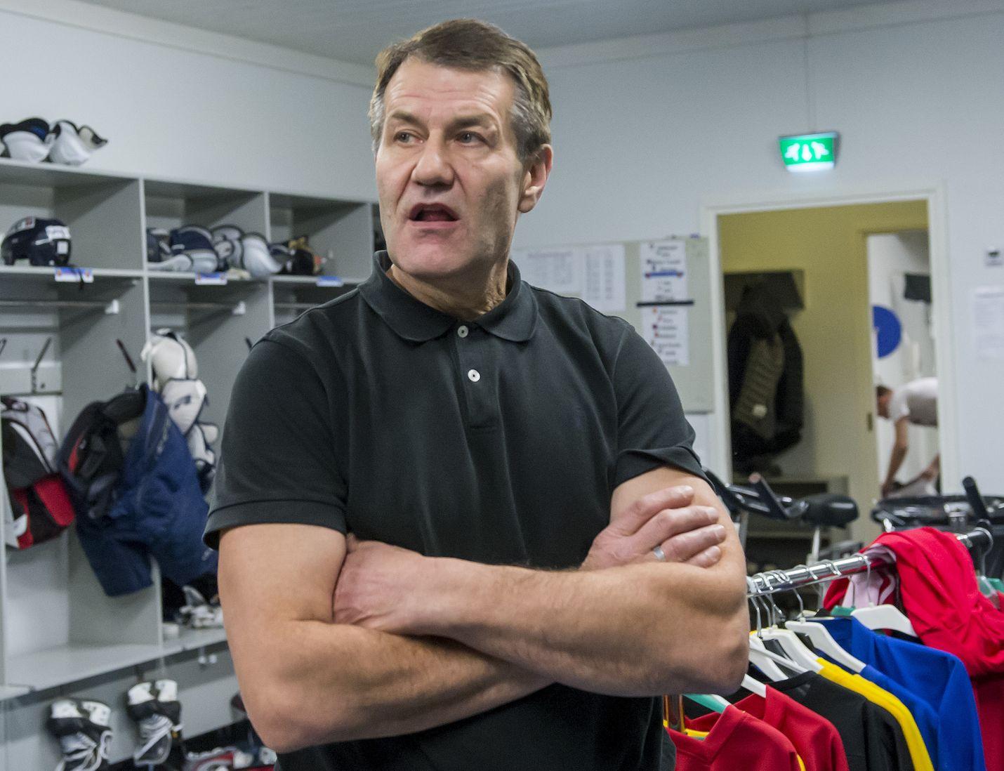 HC Satakunta pisti pudotuspeleissä Suomi-sarjan kärkijoukkueet tiukoille päävalmentaja Kari Makkosen johdolla.