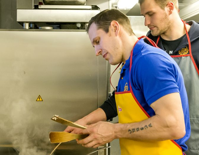 Ville Nieminen on tarkka syömisistään. Kuva: Esa Urhonen