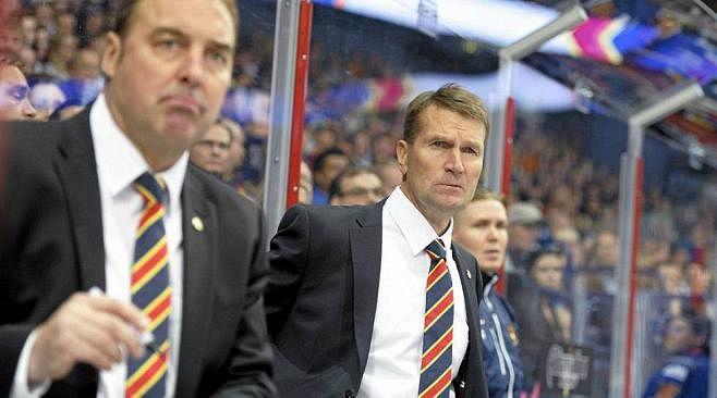 Erkka Westerlund ja Hannu Virta (vas.) johdattavat Jokerit Dinamo Minskin kimppuun.