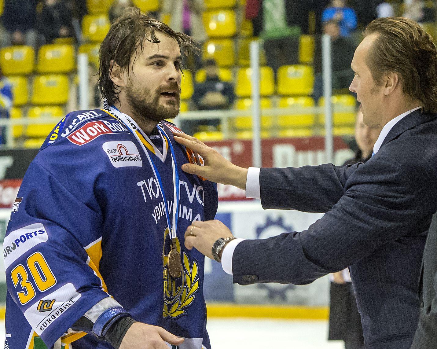 Ryan Zapolski voitti pronssia ensimmäisellä kaudellaan Lukossa.