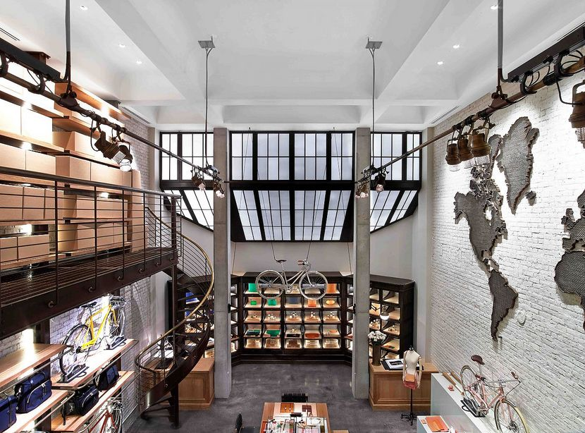 "Bird's eye view of Shinola Tribeca​ (<a href=""http://www.bicycleretailer.com/retail-news/2013/07/23/detroit%E2%80%99s-shinola-opens-retail-boutique-manhattan#.VSukjBOUee0"">image source</a>)​​"