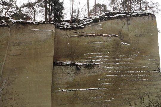 Früher wurde auf dem Areal auch draussen Sandstein abgebaut.