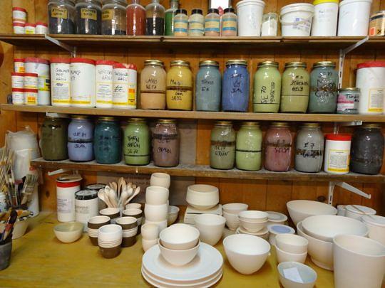Ein Einblick in die Werkstatt der Keramikerin.