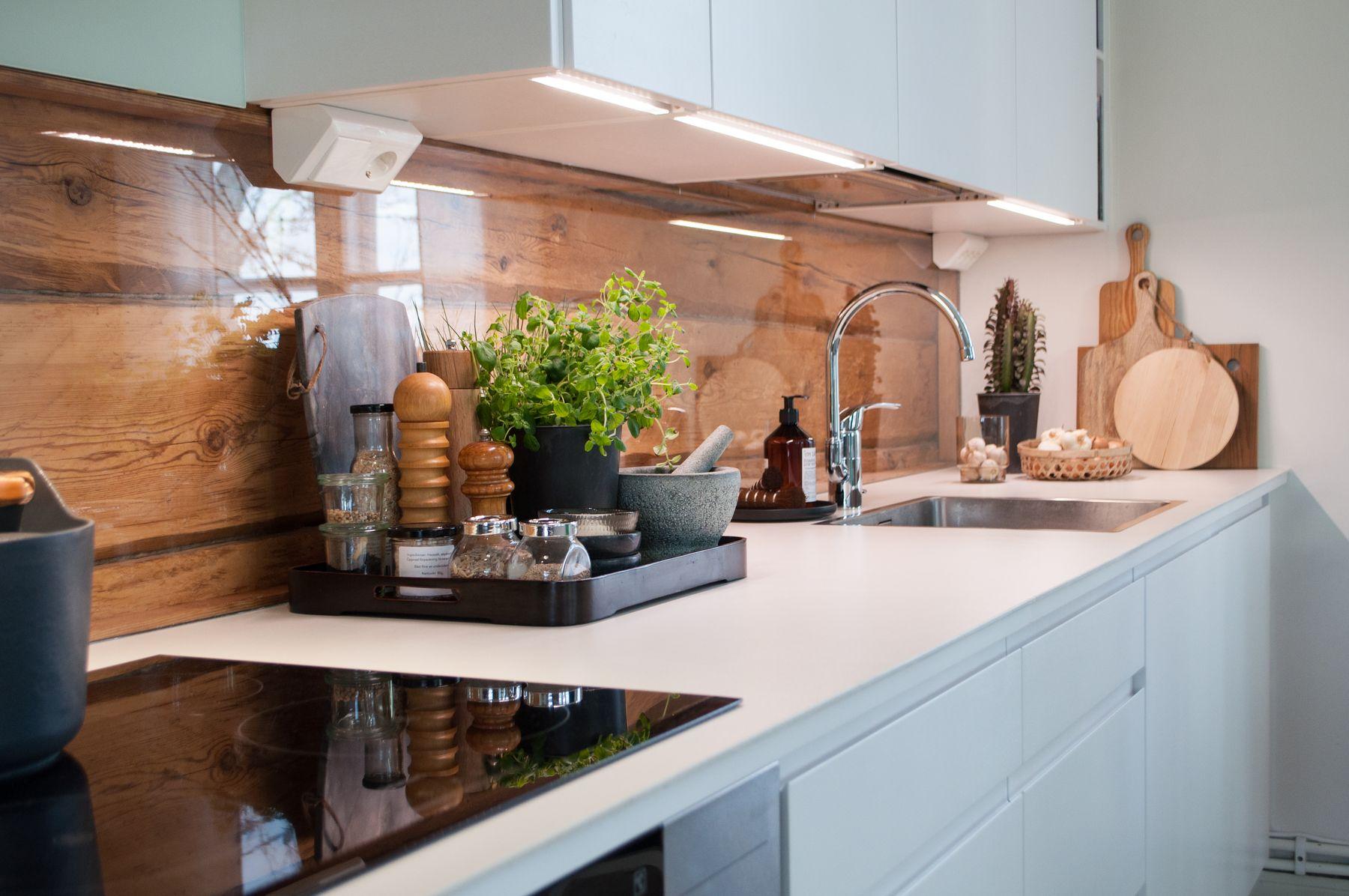 Vad skall man välja till mellandelsutrymmet i köket?   puustelli ...