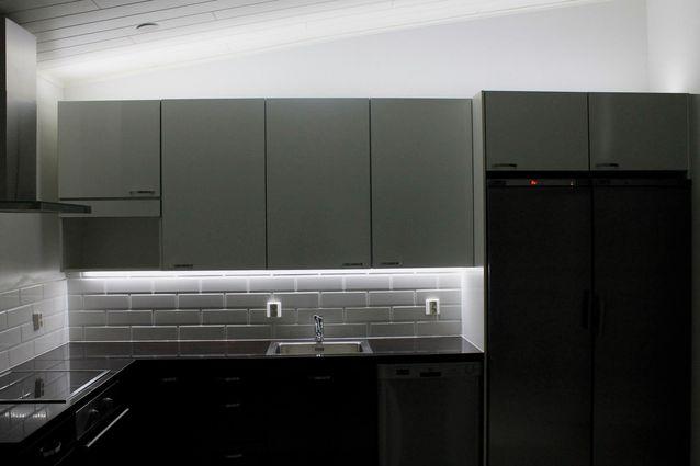 Keittiön valaistus on kahden erilaisen valon yhteispeliä
