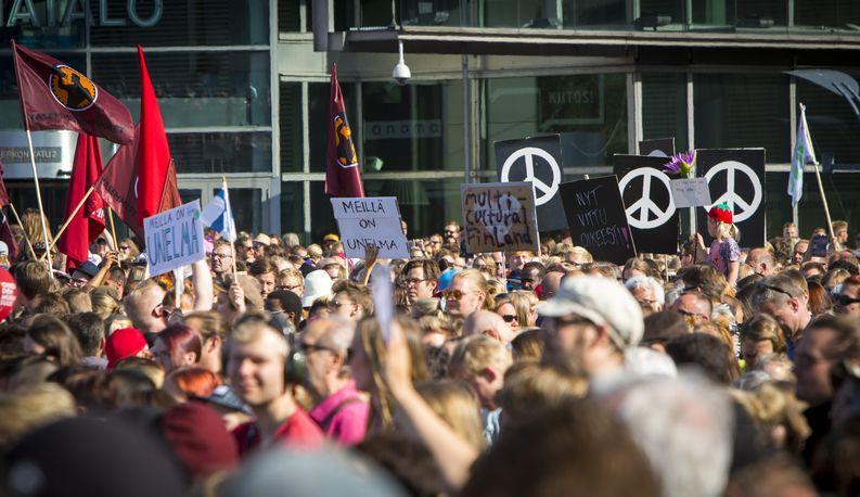 Meillä on unelma -tapahtuma keräsi 15 000 ihmistä Helsingin keskustaan. Kuva: Tuomo Björksten/Yle Kioski
