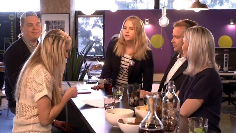 Jari Järvenpää, Katri Manninen, Antti Kaikkonen ja Susanna Koski Kioskissa.