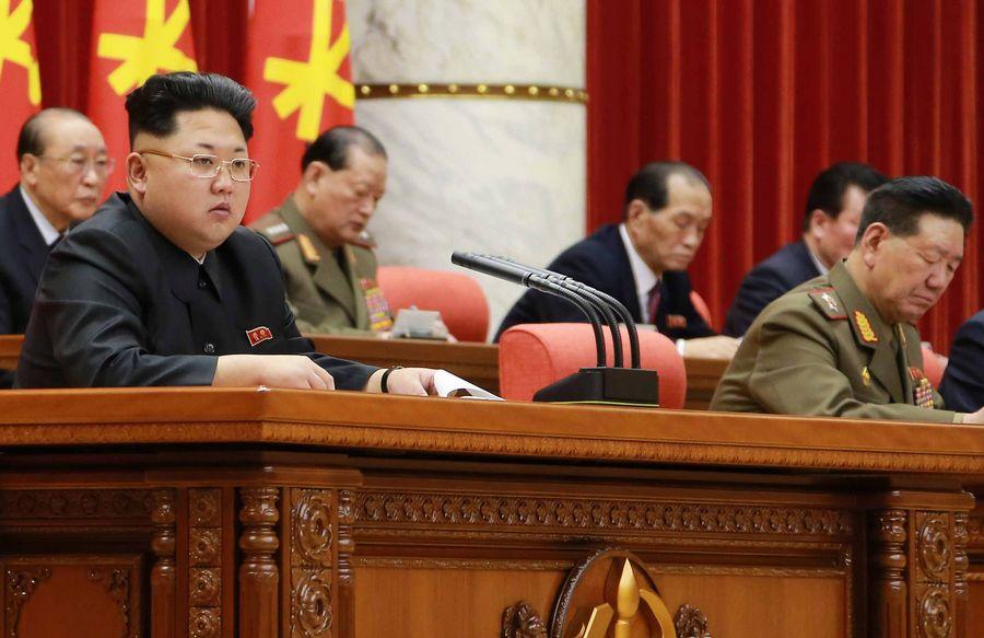 Kim kuvattuna Pohjois-Korean pääkaupungissa Pjongjangissa keskiviikkona. Kuva: EPA/KCNA