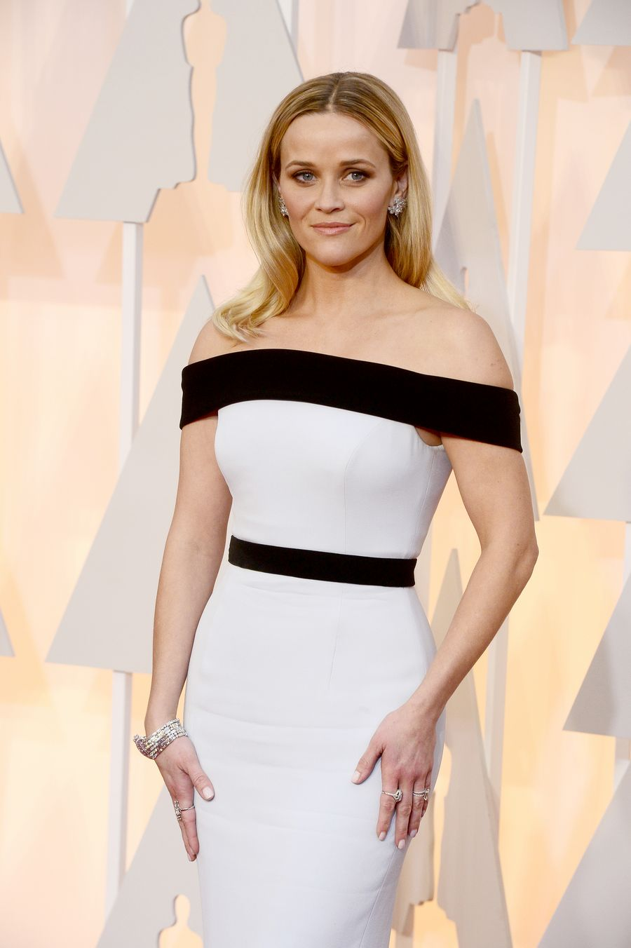 Reese Witherspoon Oscar-gaalassa. EPA/MIKE NELSON