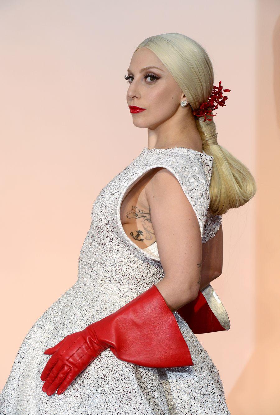 Lady Gaga Oscar-gaalassa. EPA/MIKE NELSON