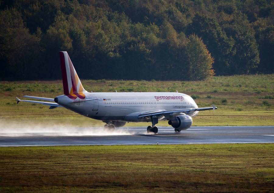 Germanwingsin reittilento sai surullisen päätöksen Ranskan Alpeilla. Kuvan lentokone ei liity tapaukseen.