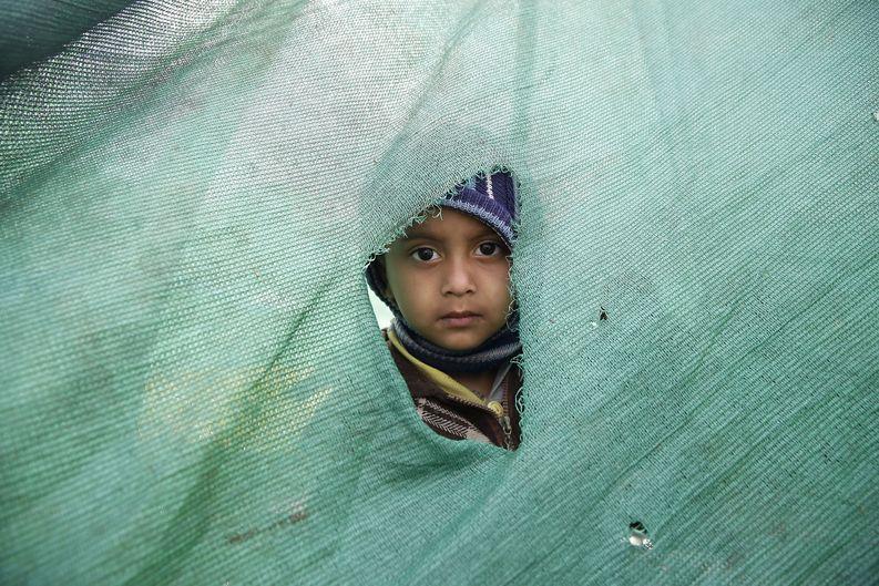 Kymmenet tuhannet nepalilaiset asuvat teltoissa tai taivasalla maanjäristyksen tuhottua asuinrakennuksia. EPA/NARENDRA SHRESTHA
