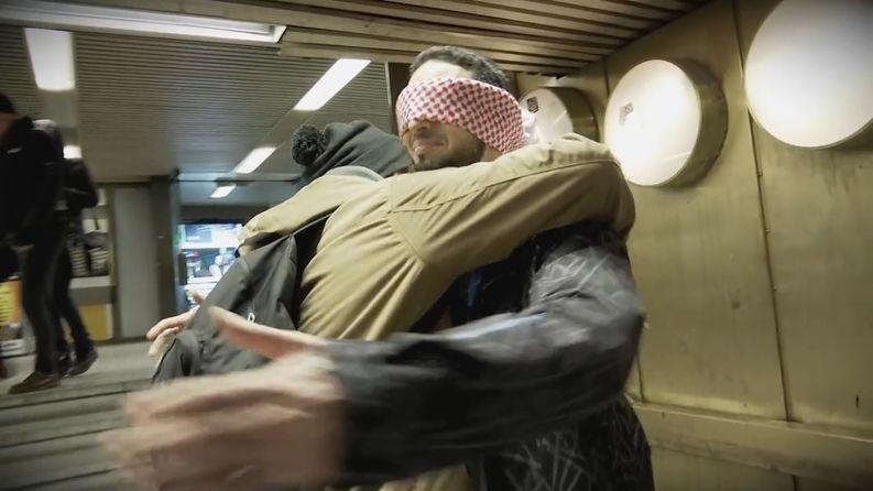 Sadek Elwan otti halauksia vastaan Helsingin asematunnelissa.