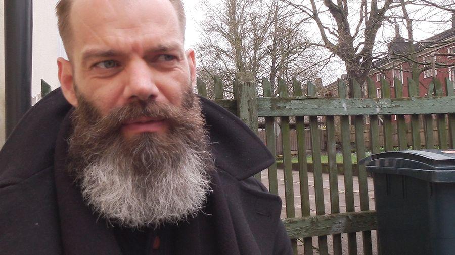 """Teemu """"Pastori"""" Potapoff on toiminut vuosia portsarina Helsingin baareissa."""