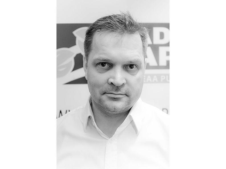 Radio Ravun perustaja Timo Uusi-Kerttula kertoo, että kanavan verkkosivut kaadettiin toistuvasti Ukraina-lähetysten aikana viime syksynä.