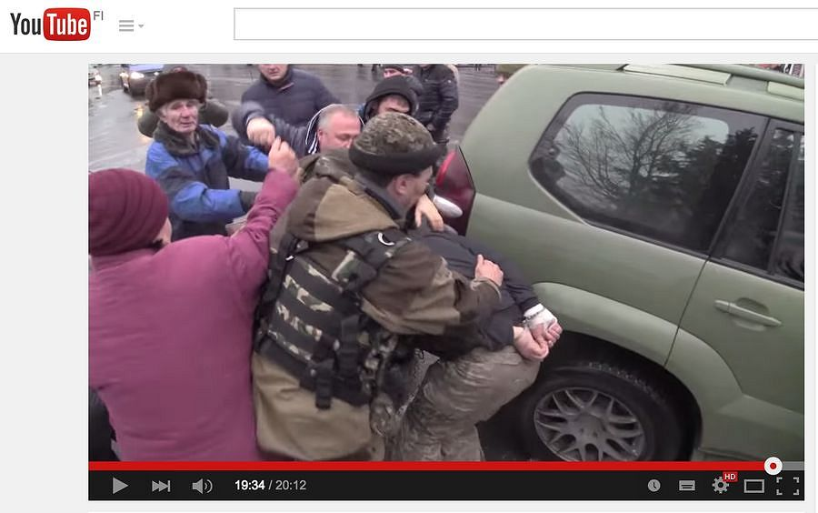 Late January, anonymous accounts distributed a YouTube video on Twitter and Facebook. In the video, separatists humiliate and manhandle Ukrainian prisoners of war while journalists working for the Russian state channels film it in the background. In the beginning of March, the video had been viewed more than 1.2 million times.​