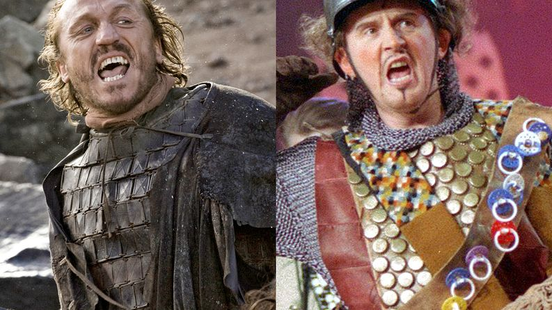 Ser Bronn of the Blackwater (Jerome Flynn) ja Tuttiritari (Jukka Leisti).​ Kuva: HBO ja Yle.​​​