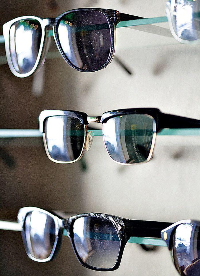 Servinin 1960-luvun aurinkolasit (keskellä) edustavat vuosikymmenen tyyliä  tyypillisimmillään. 94c12a39ad