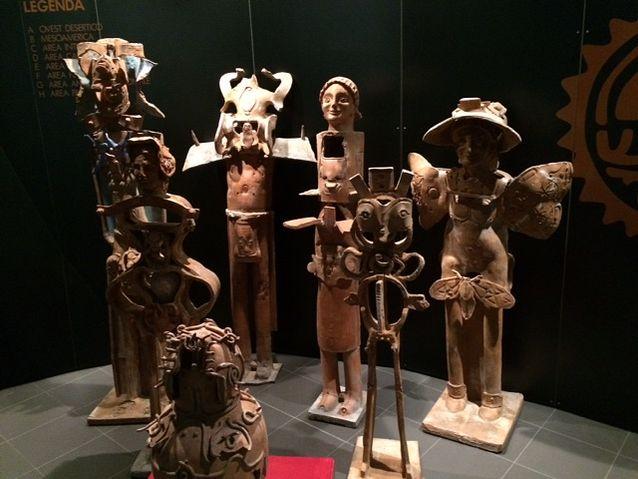Amerikan prokolumbiaanisia terrakottaveistoksia Faenzan kansainvälisestä posliinimuseosta.