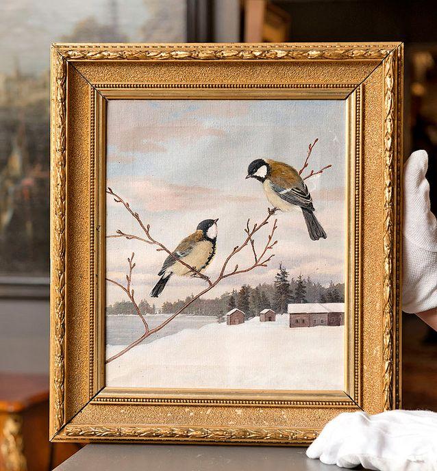 Matti Karppanen: Talitiaiset, 1895. Etupuolelta katsottuna teos näyttää signeraamattomalta ja sen aihe ja maisema muistuttavat von Wright -veljesten lintumaalauksia.