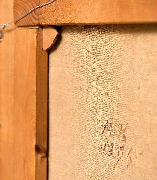 """Kurkistus talvimaalauksen kääntöpuolelle antaa arvokasta lisätietoa. Etukirjaimet MK viittaavat Matti Karppaseen, joka oli vuonna 1895 Kuopion Haminalahdella Ferdinand von Wrightin oppilaana. Teos on signeerattu """"A tergo"""" eli kääntöpuolella 1895."""