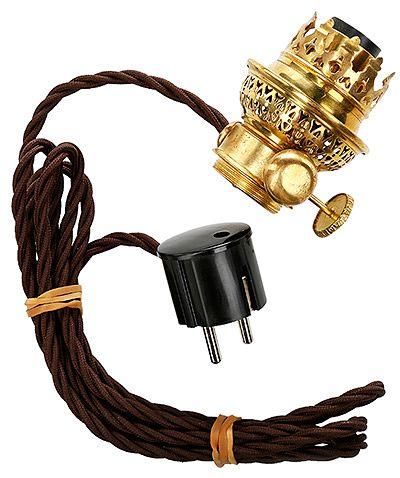 Vanhat öljylamput voi sähköistää. Jäljitelmäpolttimo öljylamppuun, Karlskrona Lampfabrik, 111,60 e, Rakennusapteekki.