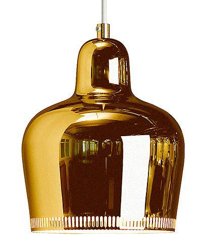 Kultakello-valaisin on Alvar Aallon vuonna 1937 suunnittelema, 335 e, Artek.