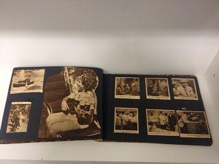 Löysin Tapiolan Toinen kierros kirpputorilta ihanan leikekansion, jonka oli tehnyt 1940-luvulla elänyt Shirley Temple-fani. Ei rahallisesti arvokas, mutta miten ihana muisto jonkun isoäidin lapsuusvuosista!