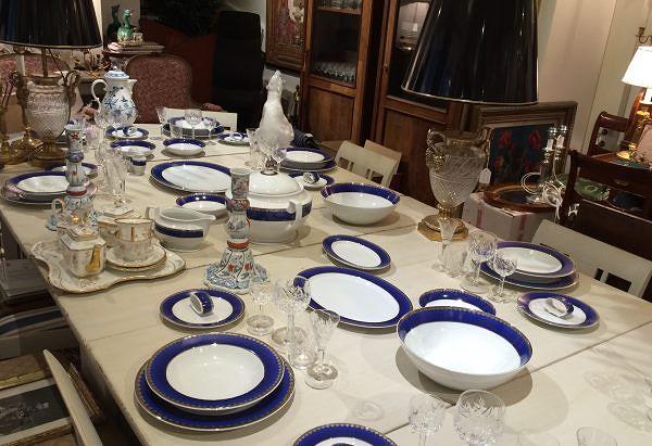 Tulevaisuuden kattausklassikko on Sigvar Bernadotten suunnittelema juhlava  sinivalkoinen Millenium 2000 -astiasto. 2 950 e   85 osaa eli 12 hengelle f2bfe16417