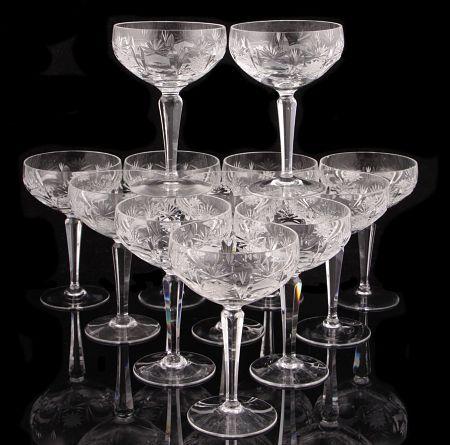 Samppanjalasit, hiottua kristallia, lähtöhinta 100 e / 10 kpl, Huutokauppakamari Annmari's.