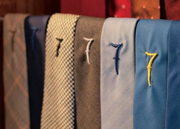 Great fabrics for those looking relaxed casual style.​