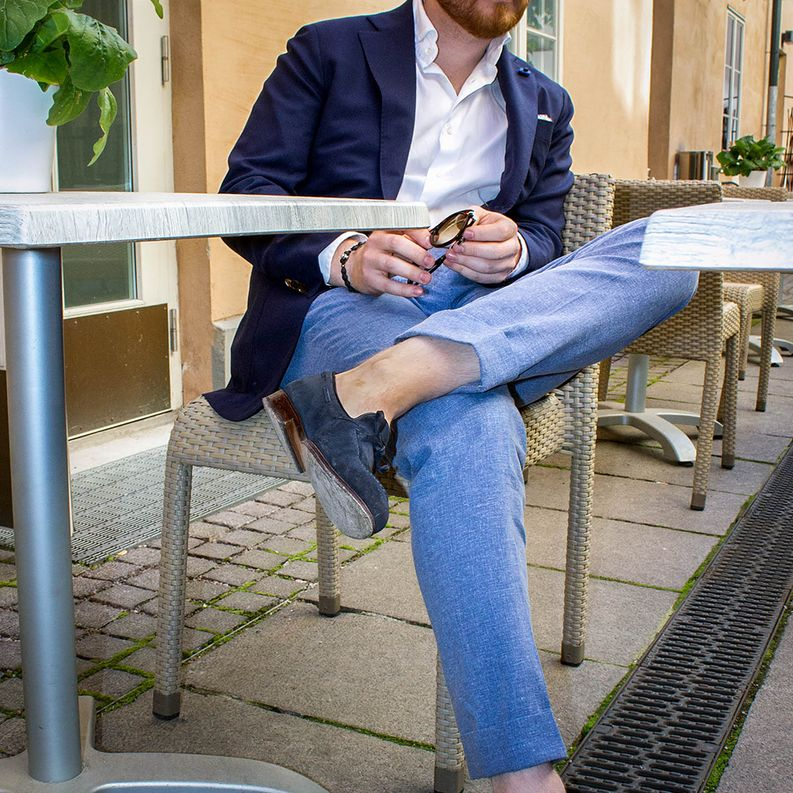Great combo with white shirt and navy jacket: Sauma MTM x Finealta x Carmina​
