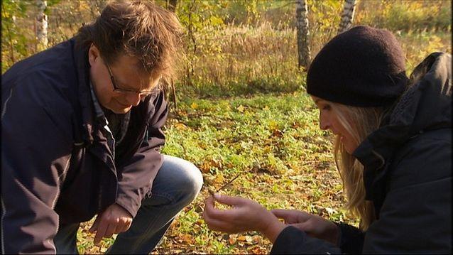 """Haastattelu Yle 5 """"Kollektivet"""" ohjelmaan. Kuvassa Jan Fast ja toimittaja Anne Backman. Kuva Eero Poskela."""