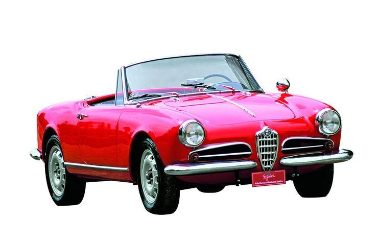 """De silvan valitsema nuoruuden ihanne: Alfa Romeo Giulietta Spider. """"Tämä Alfa on ehdottomia suosikkejani. Automuotoilun mestariteos."""""""