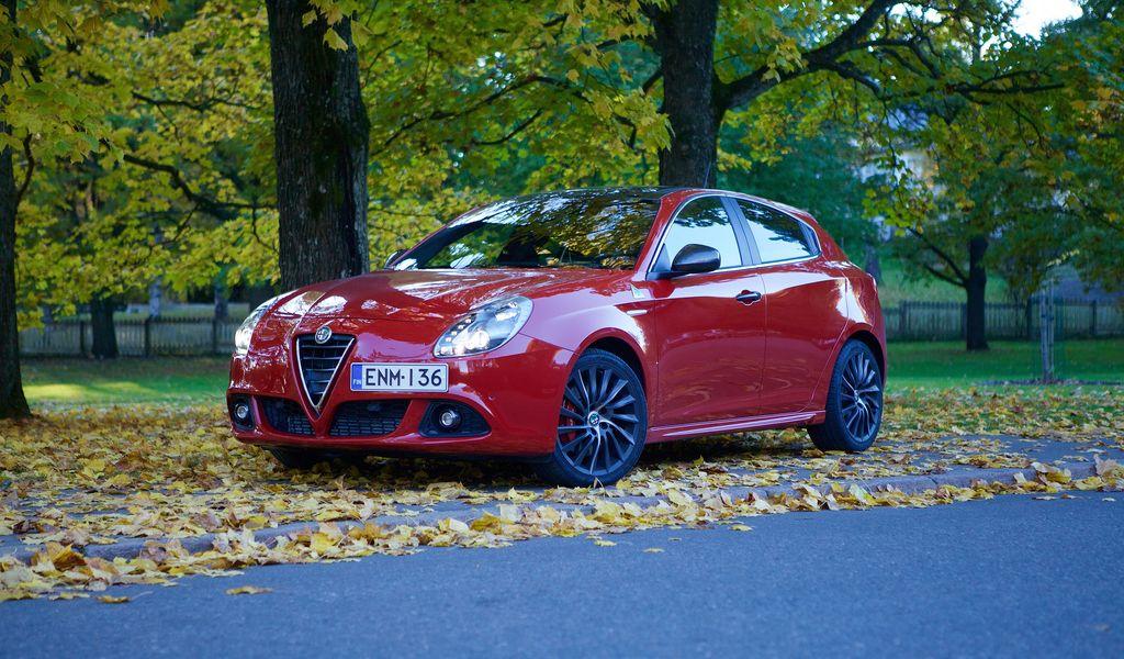 Alfa Romeo Giulietta >> Koeajo Alfa Romeo Giulietta Qv Hymy Huulilla Teknavi