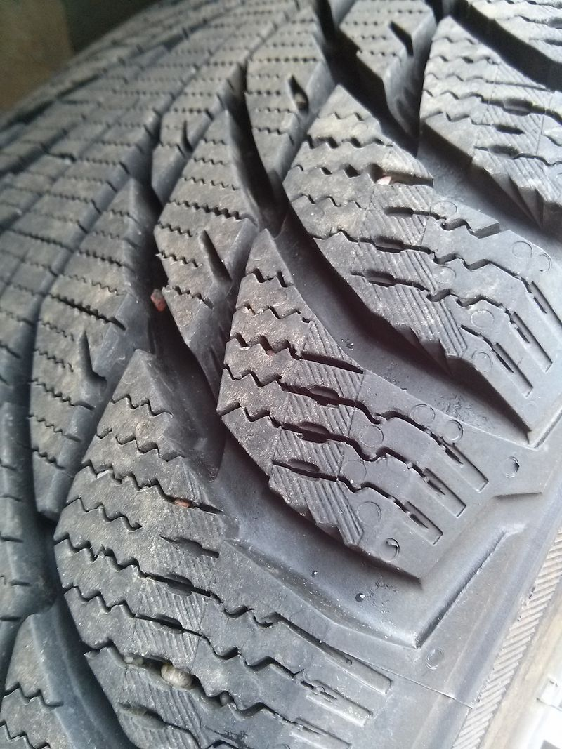 quality rubber compound , siping and tread design all equal precise traction​