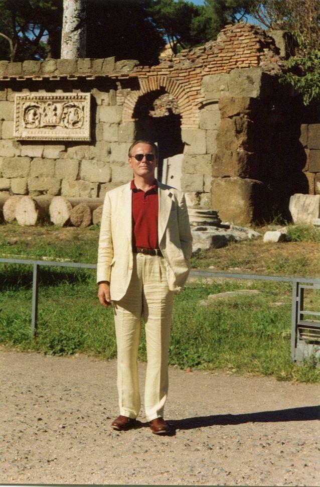 Thomas Thesleff lempiaiheensa parissa Roomassa 2004.